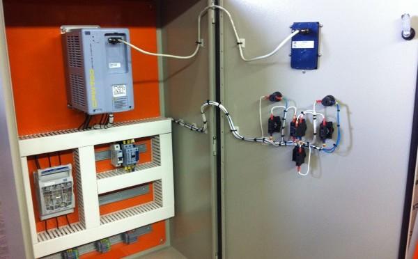 Quadro elétrico para controle de pressão